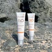 Les Sprays Solaires SPF 30 et SPF 50 font partie de vos incontournables de l'été ! ☀️  Formulés à partir de 98% d'ingrédients d'origine naturelle 🍃, nous avons sélectionné une combinaison d'actifs protecteurs et anti-oxydants pour prévenir le vieillissement cutané induit par l'exposition au soleil 👒  Mais ... de quoi est composé cette combinaison ? 🔍 Ce complexe est élaboré à partir de pollen et propolin et est nommé l'Api Oléo Actif.🐝 Il aide à lutter contre la formation des radicaux libres et agit en synergie avec l'Huile de Karanja bio, reconnue en médecine ayurvédique pour ses vertus protectrices et anti-oxydantes 🤲 Utiliser une protection solaire, c'est s'assurer une protection optimale et une peau préservée des méfaits sur le long termes du soleil, et ce tout le long de l'année !😎  #acorelle #engagement #cosmetiquesbio #protectionsolairebio #solairebio #cosmetiques #protectionsolaire #sun #NewProduct #solaires #SoinsSolaires #peauxsensibles #SkinProtectOceanRespect #SolairesEngages #peauxsensibles