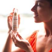 Votre allié pour un hâle sublimé : Le Préparateur de Bronzage ☀️ À appliquer sur le visage & le corps, sa texture huile sèche convient à tous les types de peau, le tout, tout le long de l'année :  🕘😍 Si vous êtes en vacances dans quelques semaines, il s'utilise en cure quotidienne pour préparer la peau et aider à activer naturellement le bronzage. ☀️😎 Si vous êtes déjà en train de profiter du soleil, le Préparateur de Bronzage s'applique après l'exposition, chaque soir après la douche pour stimuler et intensifier le bronzage. 💆♀️Enfin, si les vacances, c'est déjà de l'histoire ancienne pour vous, il est idéal matin ou soir, en soin quotidien pour prolonger et entretenir le bronzage, tout en nourrissant la peau en profondeur.   L'avez-vous déjà testé ?  #acorelle #engagement #cosmetiquesbio #protectionsolairebio #solairebio #cosmetiques #protectionsolaire #sun #NewProduct #solaires #SoinsSolaires #peauxsensibles #SolairesEngages #teinthale #bronzage #huileseche